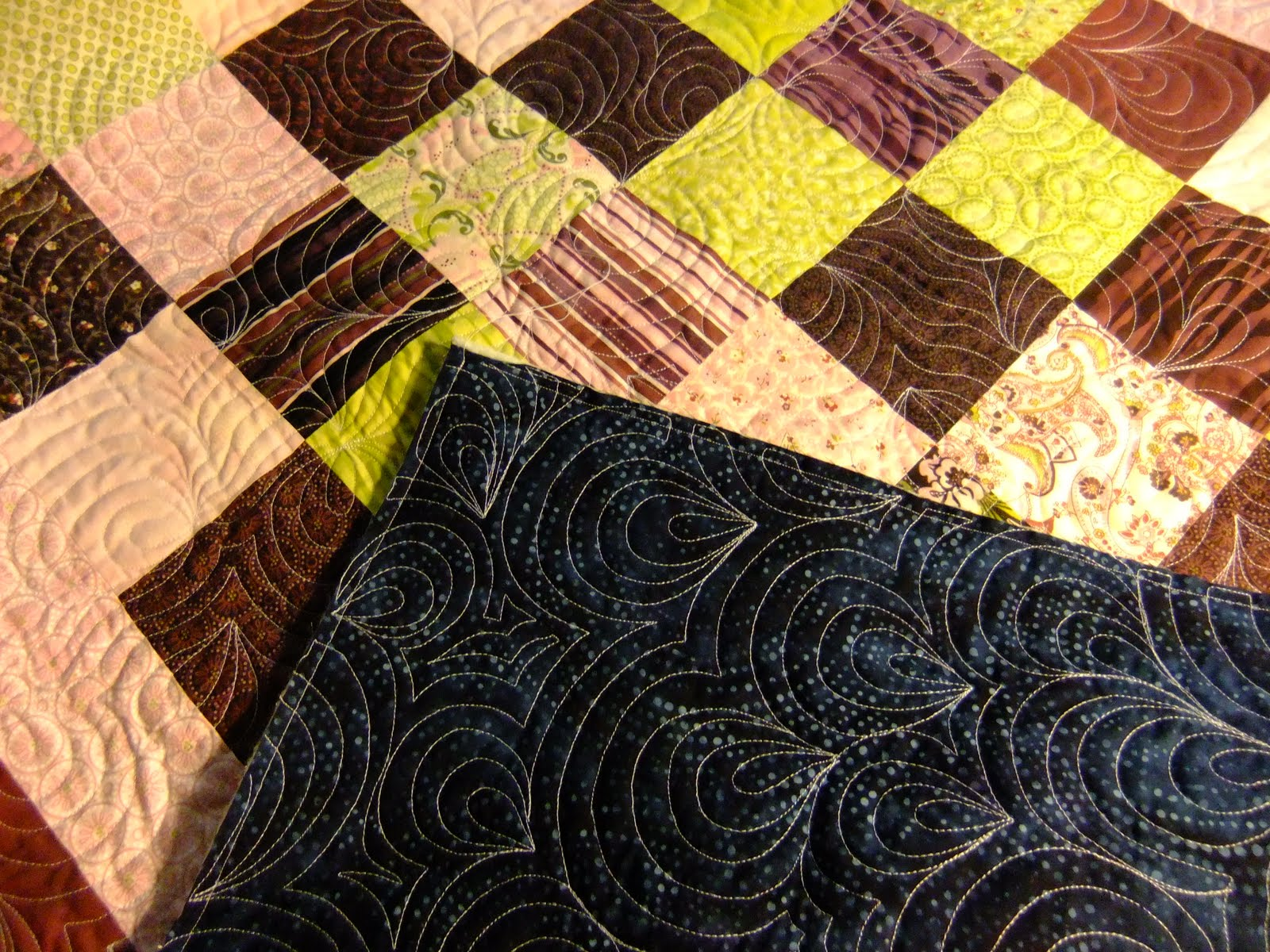 The Free Motion Quilting Project: A Thread Story : polyester vs cotton quilt - Adamdwight.com