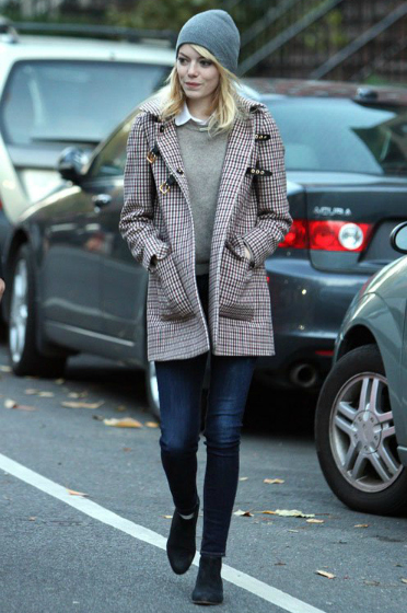 Emma Stone jeans, coat, hat, flat boots outfit