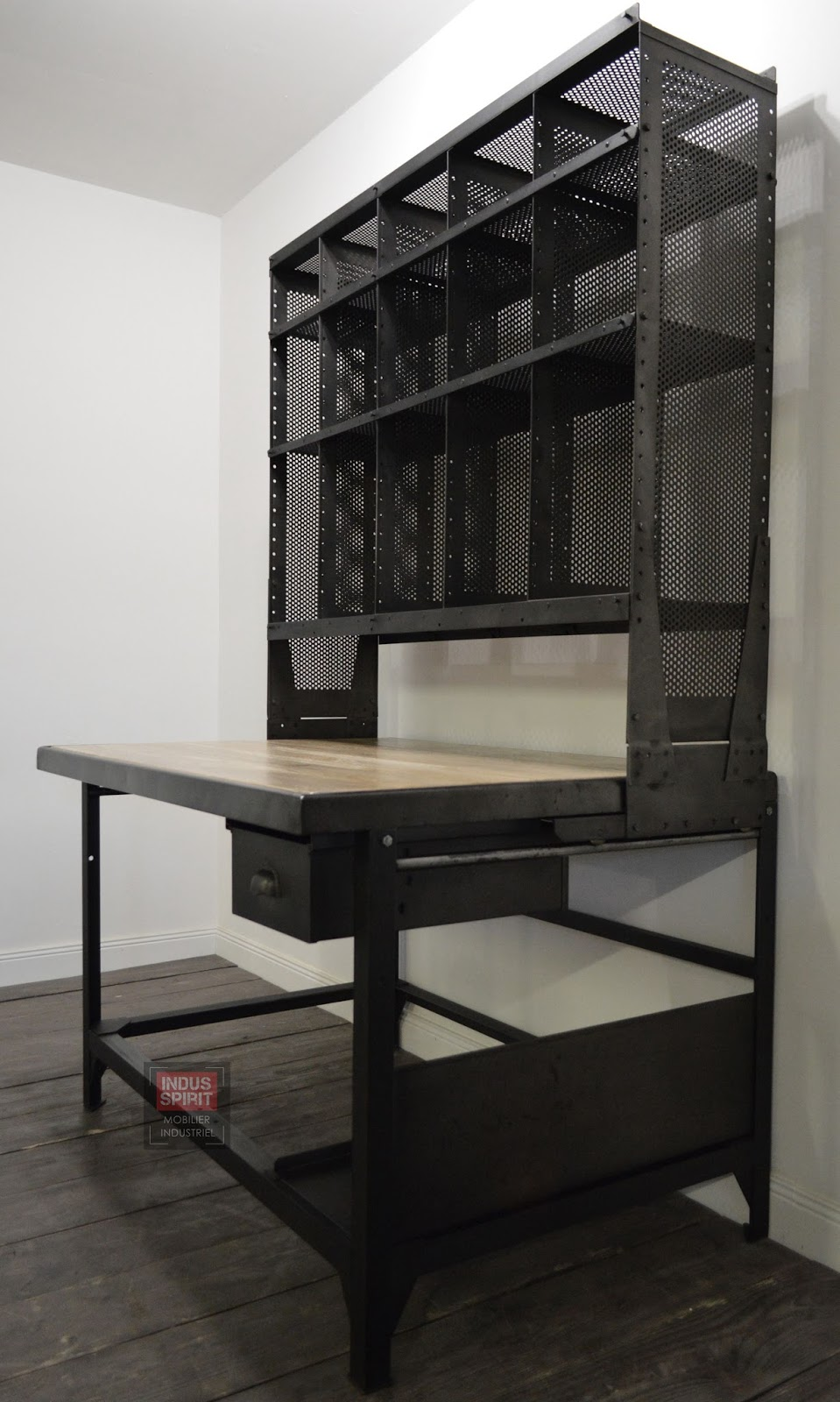 meuble industriel mobilier industriel design industriel style industriel indus spirit. Black Bedroom Furniture Sets. Home Design Ideas