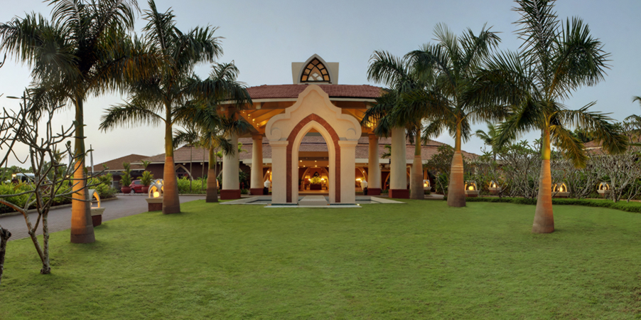 Luxury hotels hotel in all over world ramada caravela for Luxury hotels all over the world