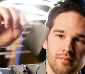 Tecido termoelétrico transforma calor do corpo em eletricidade