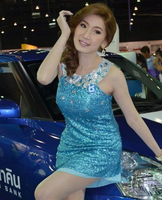 spg mobil mitsubishi baru benar benar cantik dan pilihan