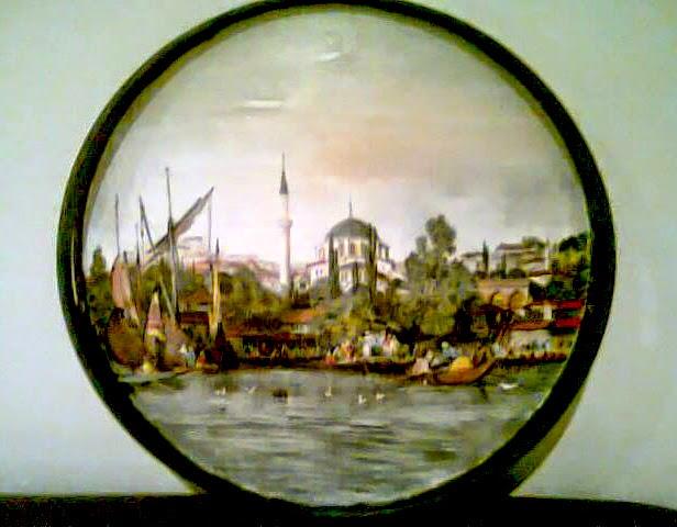 RoundTray-Ozden-Gulen-HuesnShades