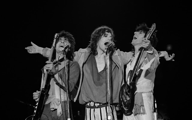 http://nelena-rockgod.blogspot.com/2013/05/mick-jagger-keith-richards-and-ron-wood.html