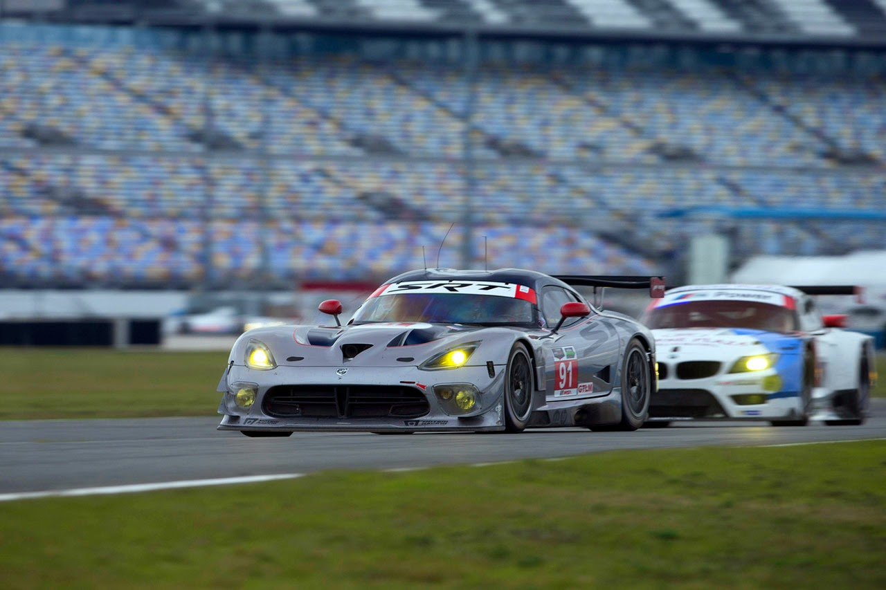 Filename srt viper gts r 2014 roar before the 24 at daytona photos 6 jpg
