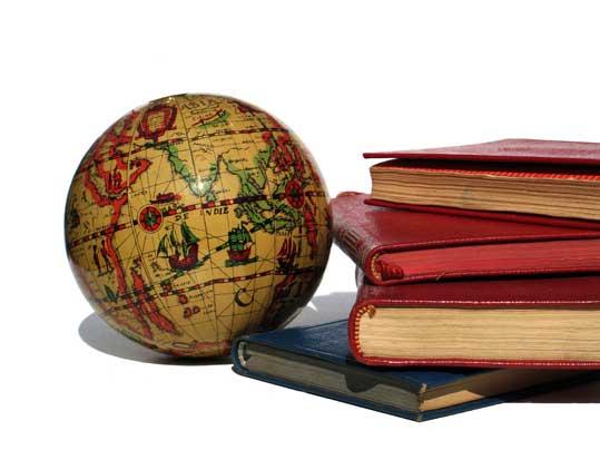 Informe de la Fundación Dialnet (Univ. de La Rioja) con mis libros y artículos en revistas: