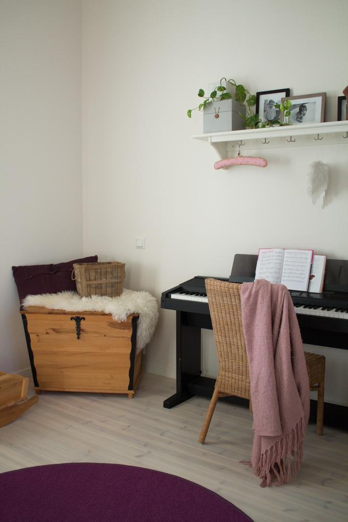 tyttöjen huone vaaleanpunainen seinäväri tikkurila lumikki