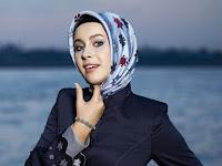 tesettür giyimin öncüsü tuğba venn 2011
