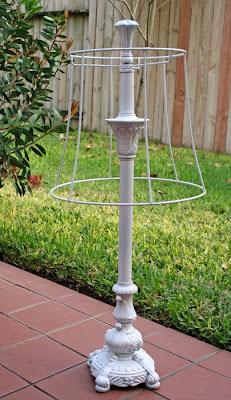 Avec une lampe... Lamp-2