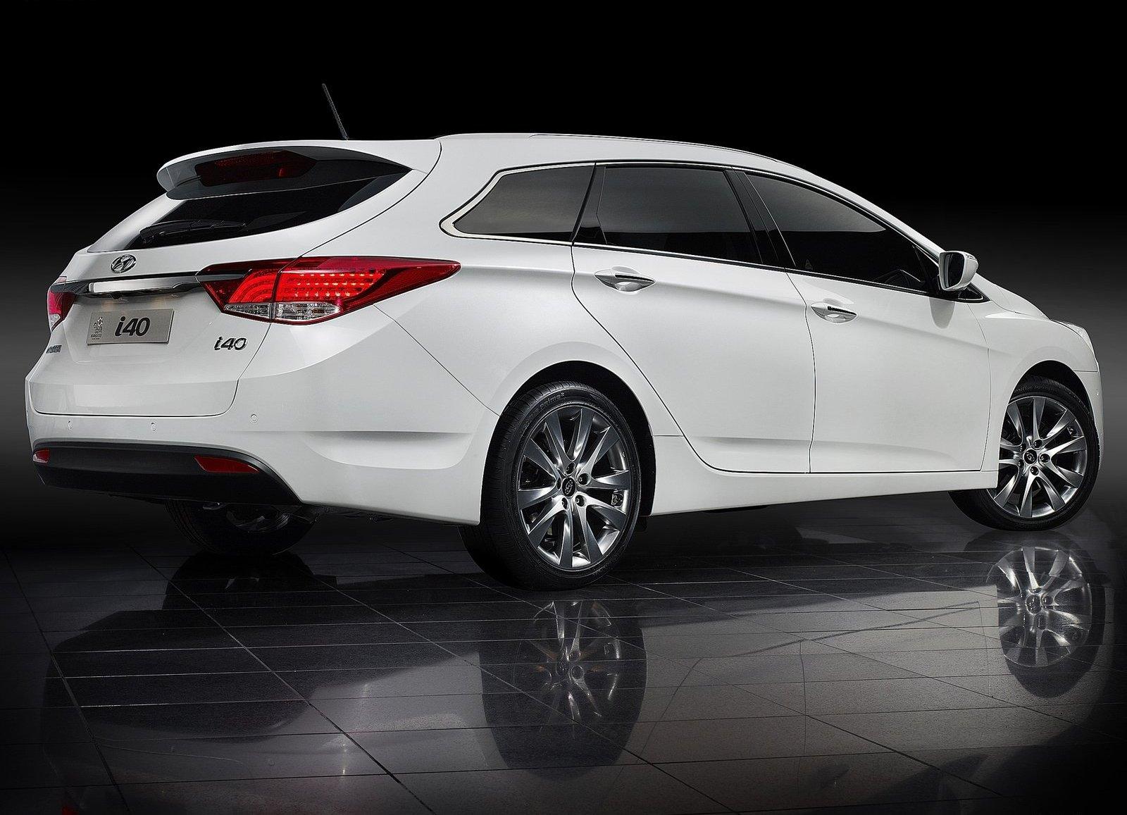 http://3.bp.blogspot.com/-0w_41--Ncus/ToQsvxHFG-I/AAAAAAAABGs/N79wKue7nuE/s1600/Hyundai-i40_Wagon_2012_1600x1200_wallpaper_45.jpg