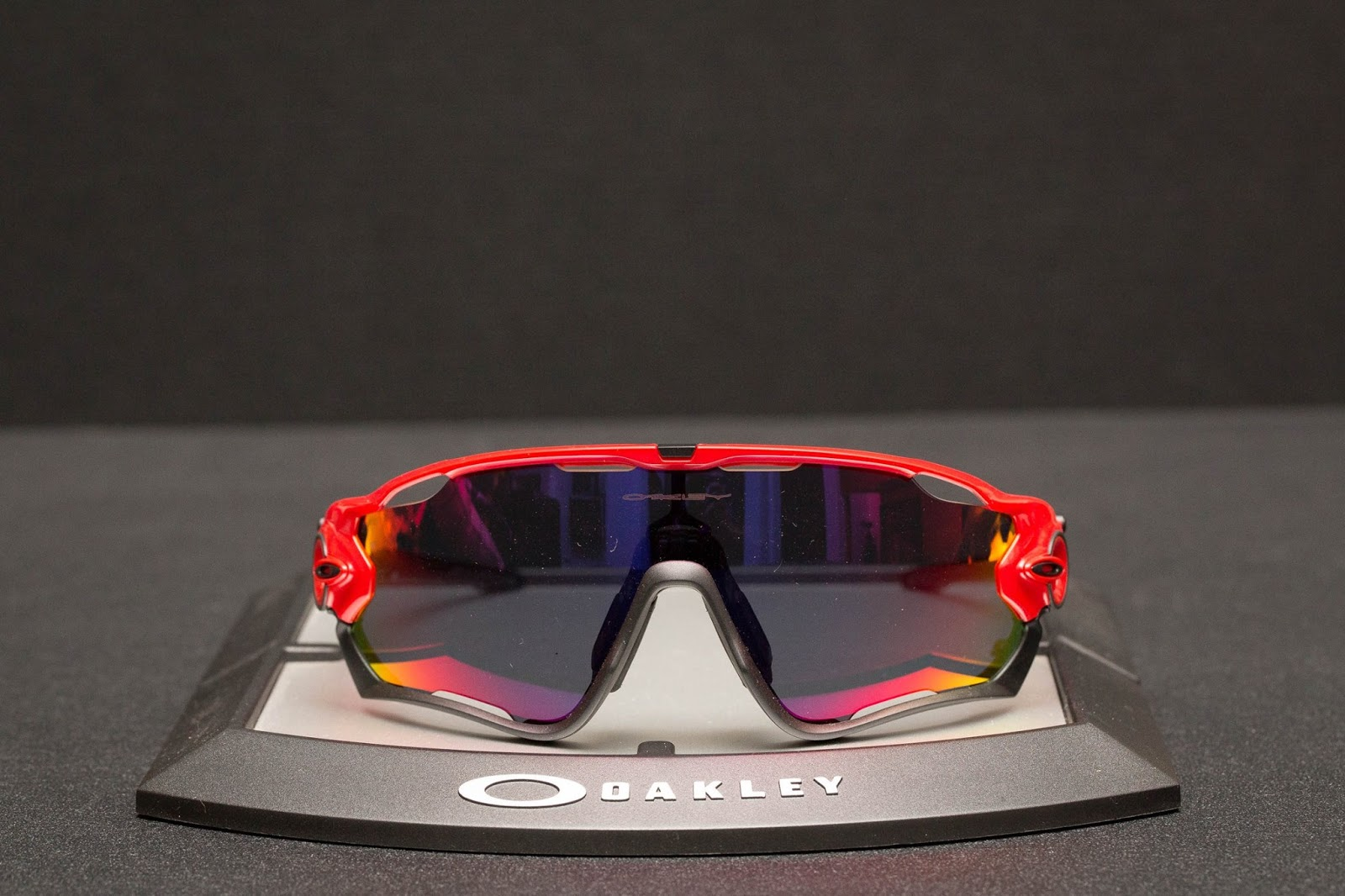 oakley jawbreaker asian fit difference
