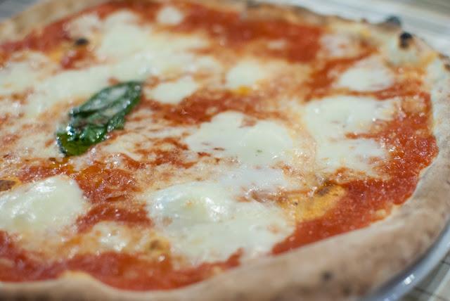 mozarella-di-bufala-pizza-