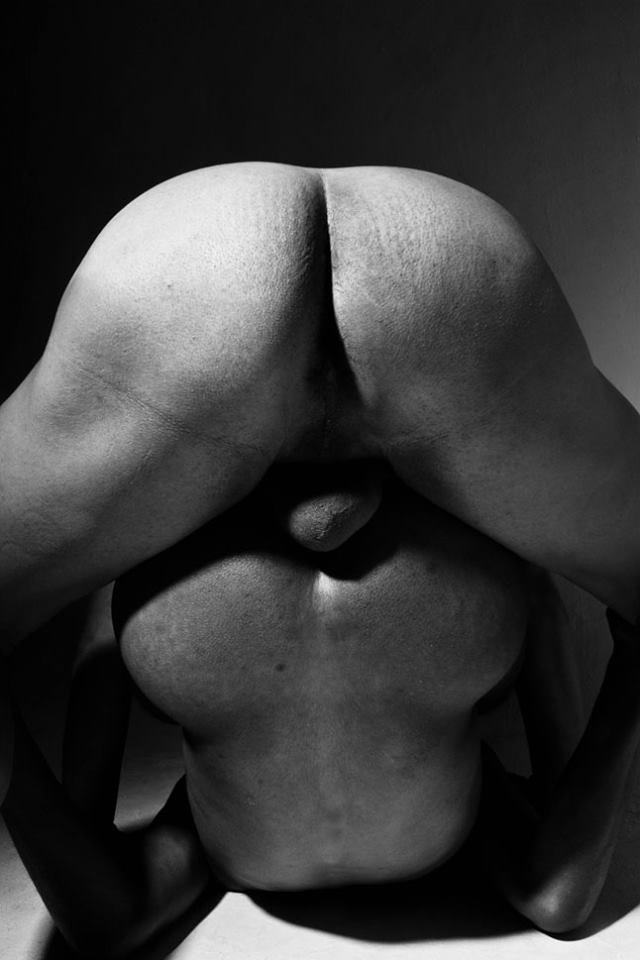 El Desnudo Masculino Bajo La Luz Y Sombra De Felipe Rotjes