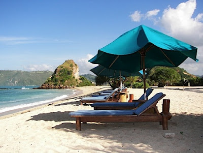 wisata lombok, pantai, wisata alam, pantai perawan, objek wisata, pulau lombok, berjemus, surfing, eksotis,