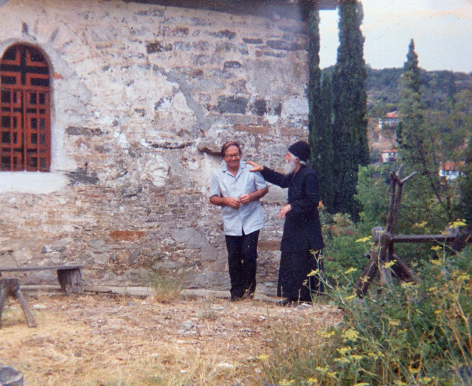 Ο ΑΓΙΟΣ ΠΑΪΣΙΟΣ ΜΕ ΤΟΝ ΙΑΤΡΟ ΝΙΚΟΛΑΟ ΛΙΛΙΟΠΟΥΛΟ (1986)