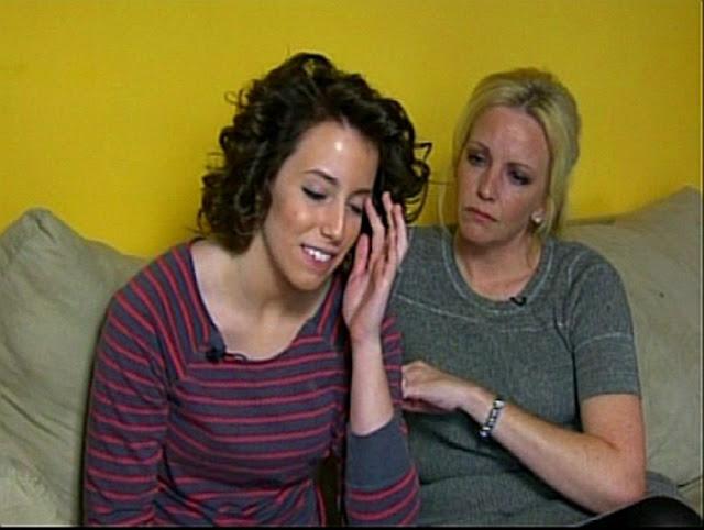 As pessoas com Síndroma de Tourette tem tiques muscular ou verbais