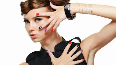 -Nail-Beauty-Myths-خمسة مفاهيم خاطئة عن الأظافر العناية المنايكير منيكير طلاء الوان