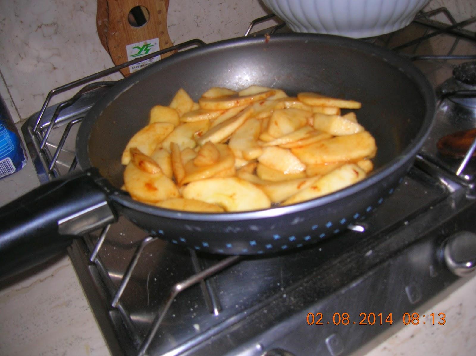 roselline di mele con pasta sfoglia  tradizionale fatta in casa  e con pasta sfoglia veloce fatta in casa..
