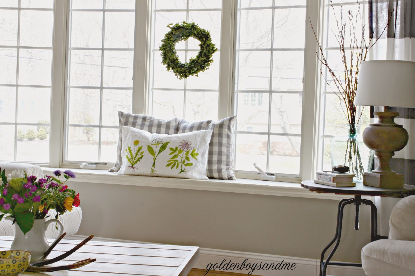 Window seat in living room-www.goldenboysandme.com