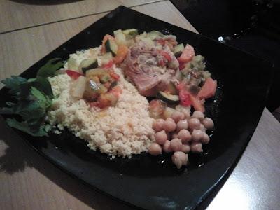 Cous cous di verdure con carne e curry