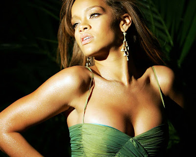 rihanna_sexy_girl_wallpapers_56576786878