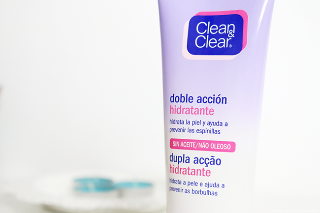 Clean & Clear Dual Action Moisturizer Review