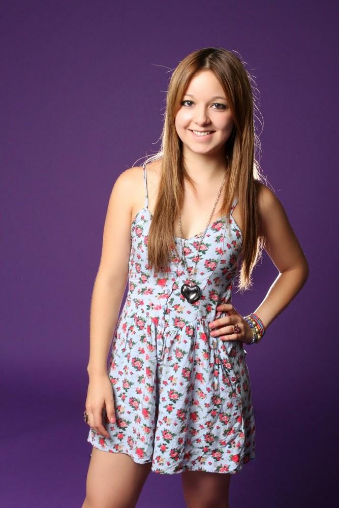 Caeli Patricia López (Caelike), conductora de la porquería llamada Un tal Show 2013 | Ximinia