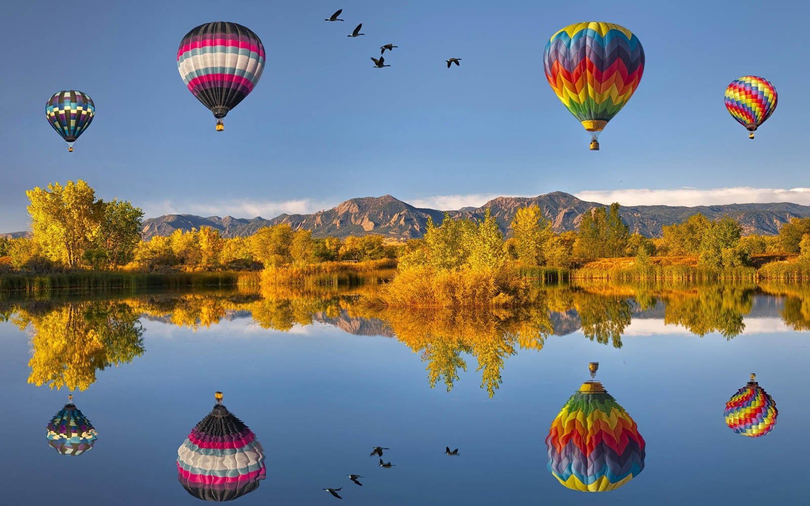 Hot air ballooning wallpaper
