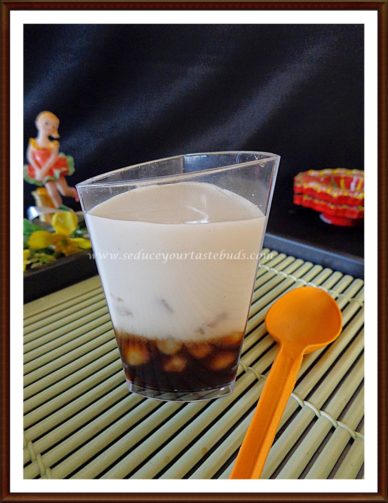xinjiapo | singapore sago dessert with gula melaka