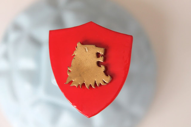 DIY Tutorial - Lannister sigil badge