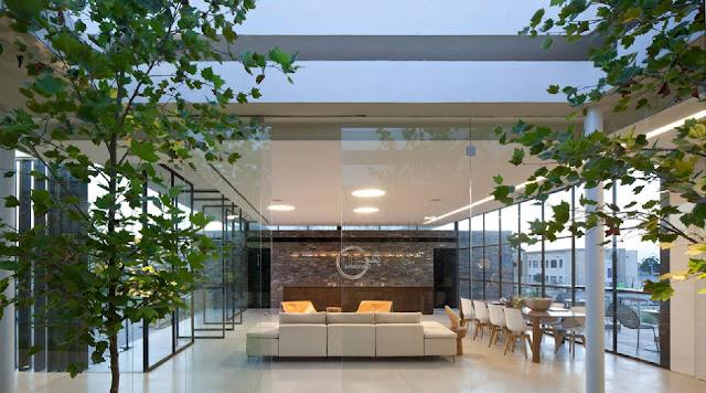 07Gindi-Holdings-Sales-Center-by-Pitsou-Kedem-Architects