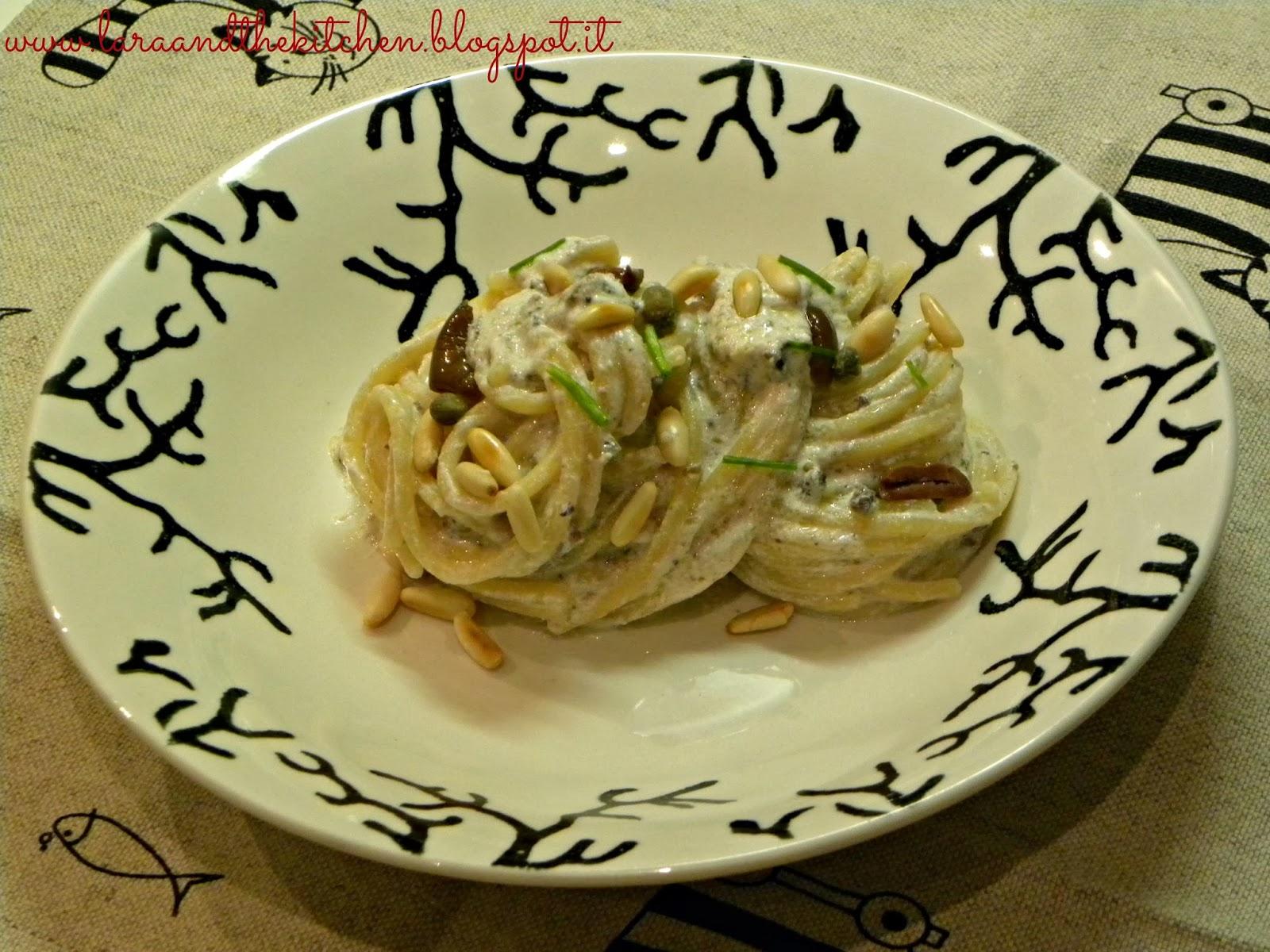 spaghetti alla ricotta,capperi e olive