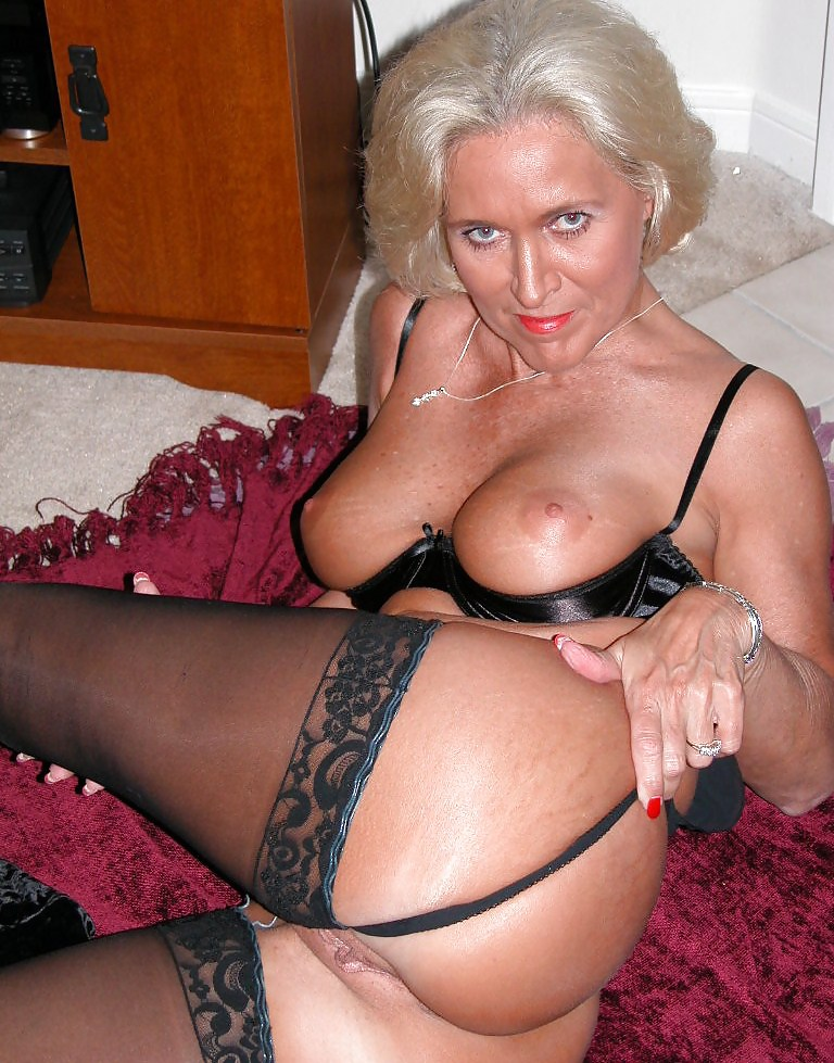 Amateur milf stockings