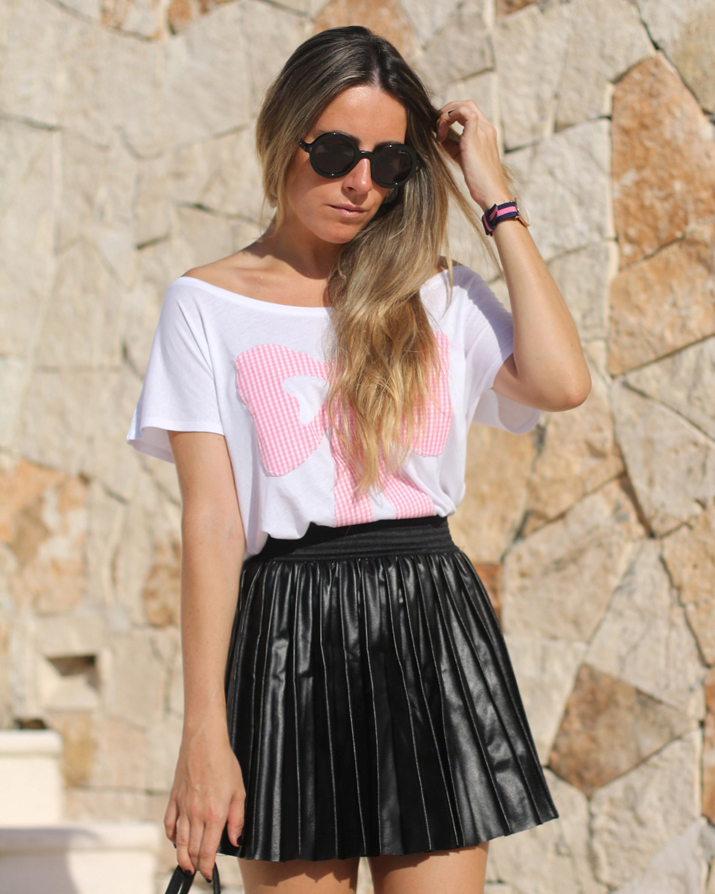 Pleated leather skirt blogger