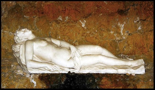 Venus dormida, gruta del jardín, casa de Pilatos, Sevilla