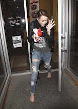 Barefoot Celebrities Miley Cyrus In Los Angeles