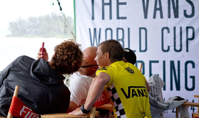 37 Vans World Cup of Sufing 2014 Glenn Hall Foto ASP