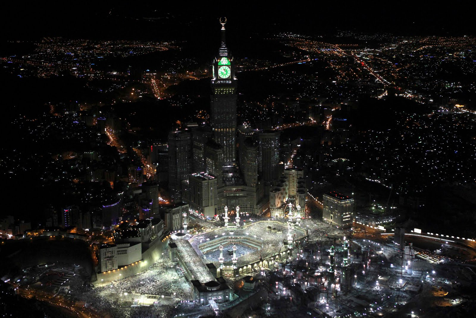 17086217 741457 - Makkah Tower , Saudi Arabia