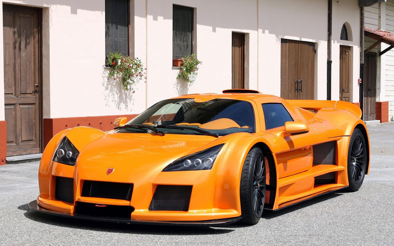 wallpapers of beautiful cars gumpert apollo. Black Bedroom Furniture Sets. Home Design Ideas
