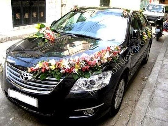Các cách trang trí xe hoa cho đám cưới đẹp và đơn giản 4