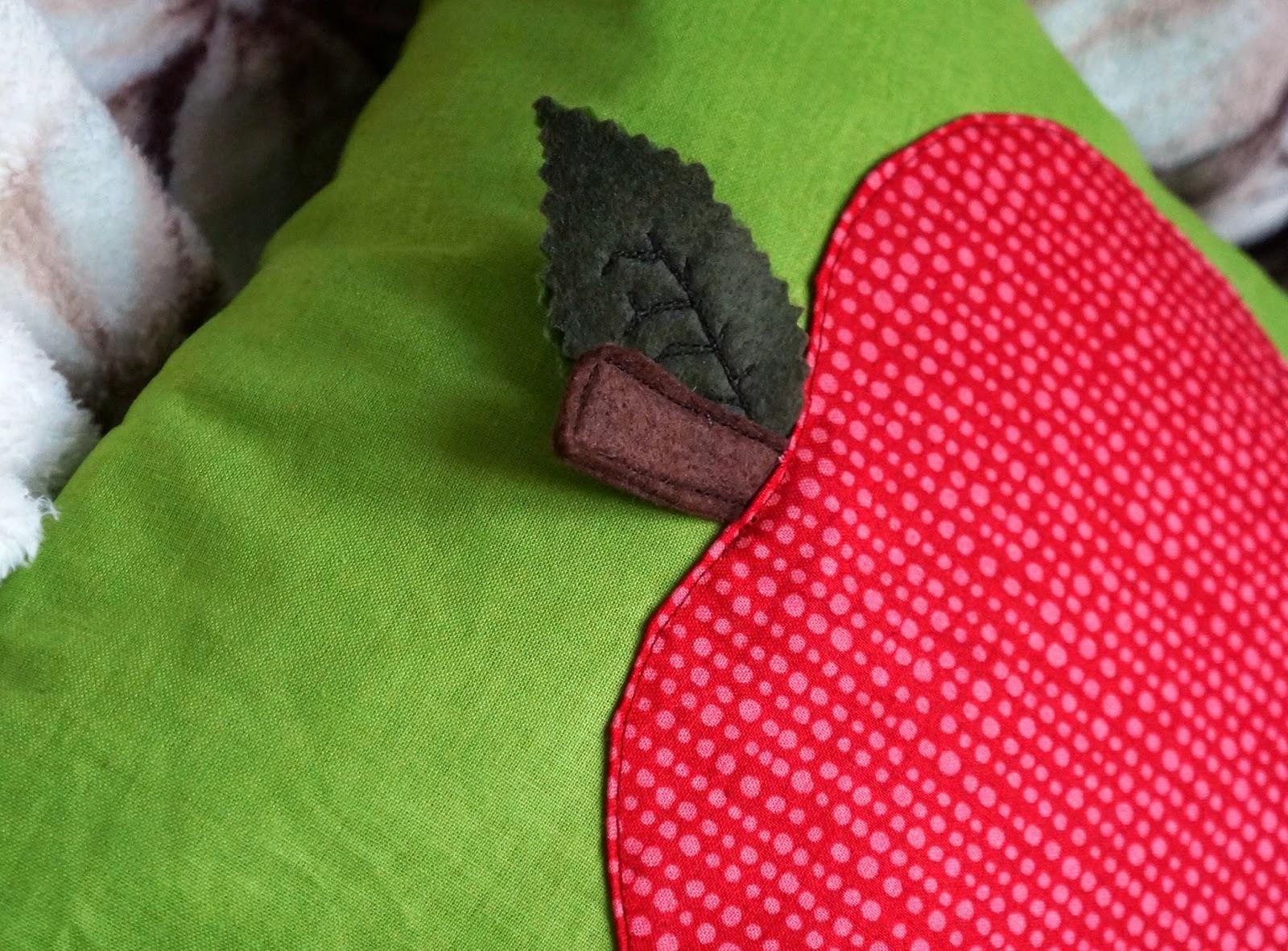 подушка яблоко