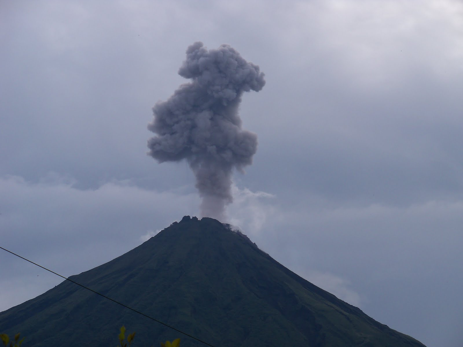 """Steam Cloud """"arenal volcano steam clouds"""""""
