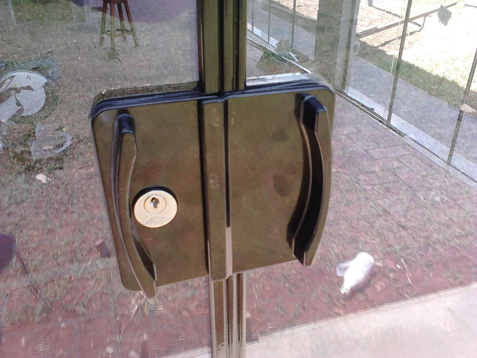 #634E3E Fechadura das Portas em Alumínio na cor Bronze 2028 Janela De Blindex Com Aluminio Bronze