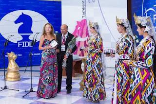 La Bulgare Antoaneta Stefanova lors de la cérémonie d'ouverture à Tashkent 2013 - Photos © Maria Emelianova