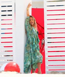 Jennifer Lopez filming a video