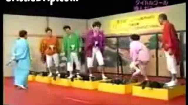 Ne pas rire sinon coup dans les parties! Show sadique japonais