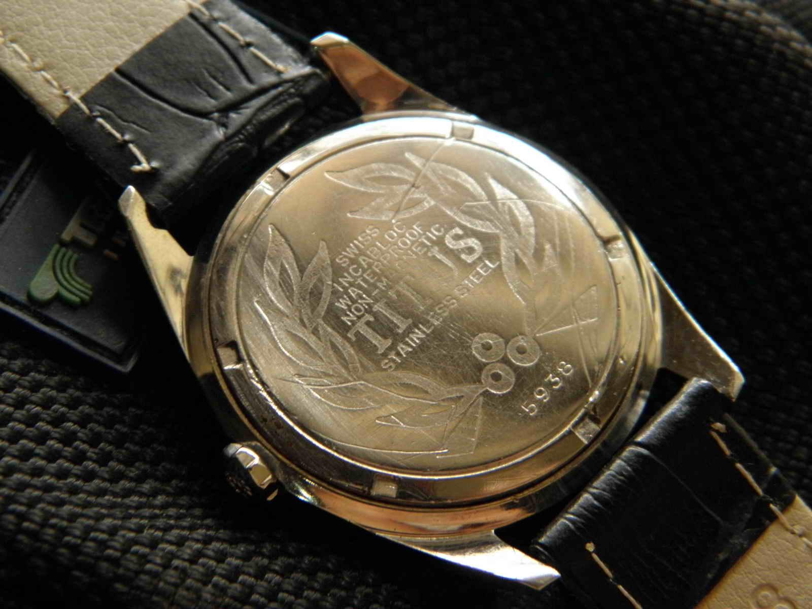 Kiosku Oktober 2015 Rolex Gmt Kombinasi Swiss Mesin 2838 2 Movement Manual Wind Made 21 Jewels Dia 36 Mm W C Crosshair Dial Black Masih Sangat Baik Index Mata Panah Berikut Hands Pedang