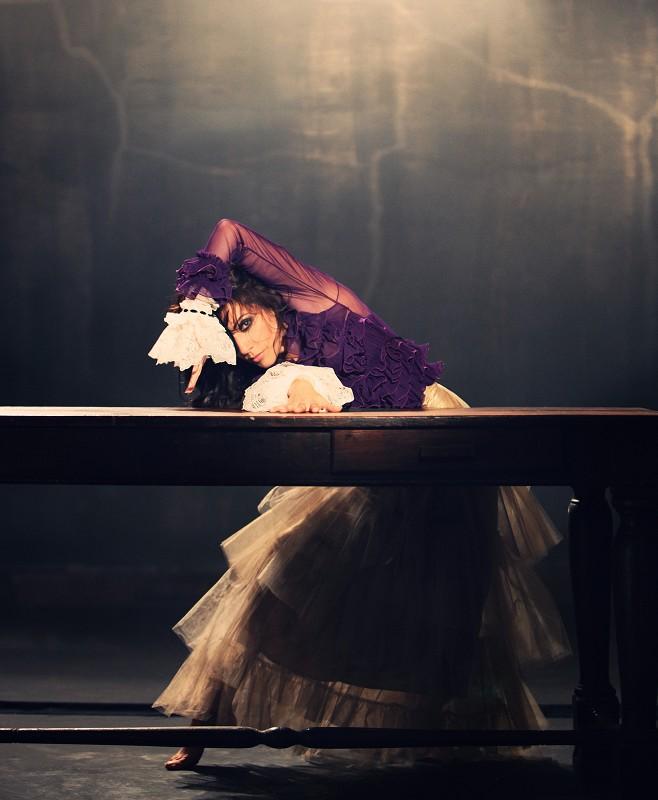 CFP - Personaje de la danza mujer , color Dorado, talla 35,5 EU(6 cm)