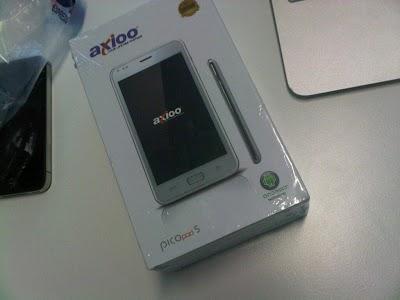 Axioo=Picopad-BOXED-NEW.jpg