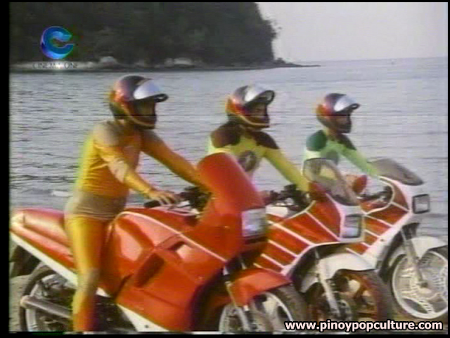Kabayo Kids, motorcycle, beach